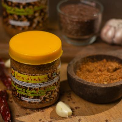 Homemade Flax Seed and Garlic Dry Pickle (Aalas ra Lasunko Chhaup) (आलस र लसुनको छोप) - 100g - Lotus Products
