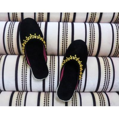 Black Golden Boarder Shoe